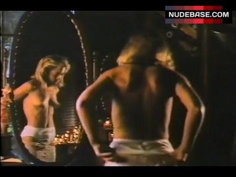 Amanda Wyss Nude - Hot 12 Pics | Beautiful, Sexiest