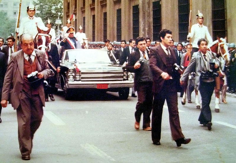 File:Pinochet 11-09-1982.JPG