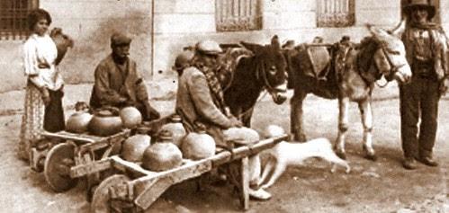 Azacanes en Toledo. The Hispanic Society of America. Foto Abelardo Linares. 1911-20