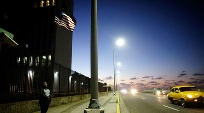 Байден: США работают над увеличением штата своего посольства на Кубе