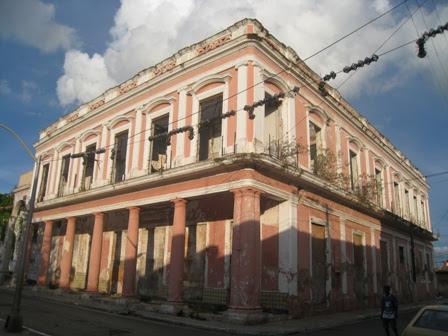 http://www.cubanet.org/wp-content/uploads/2012/04/hotel-europa.jpg