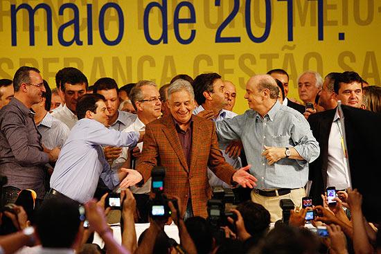 Convenção do PSDB em Brasília reuniu as lideranças do partido, como FHC (de xadrez), Serra e Aécio