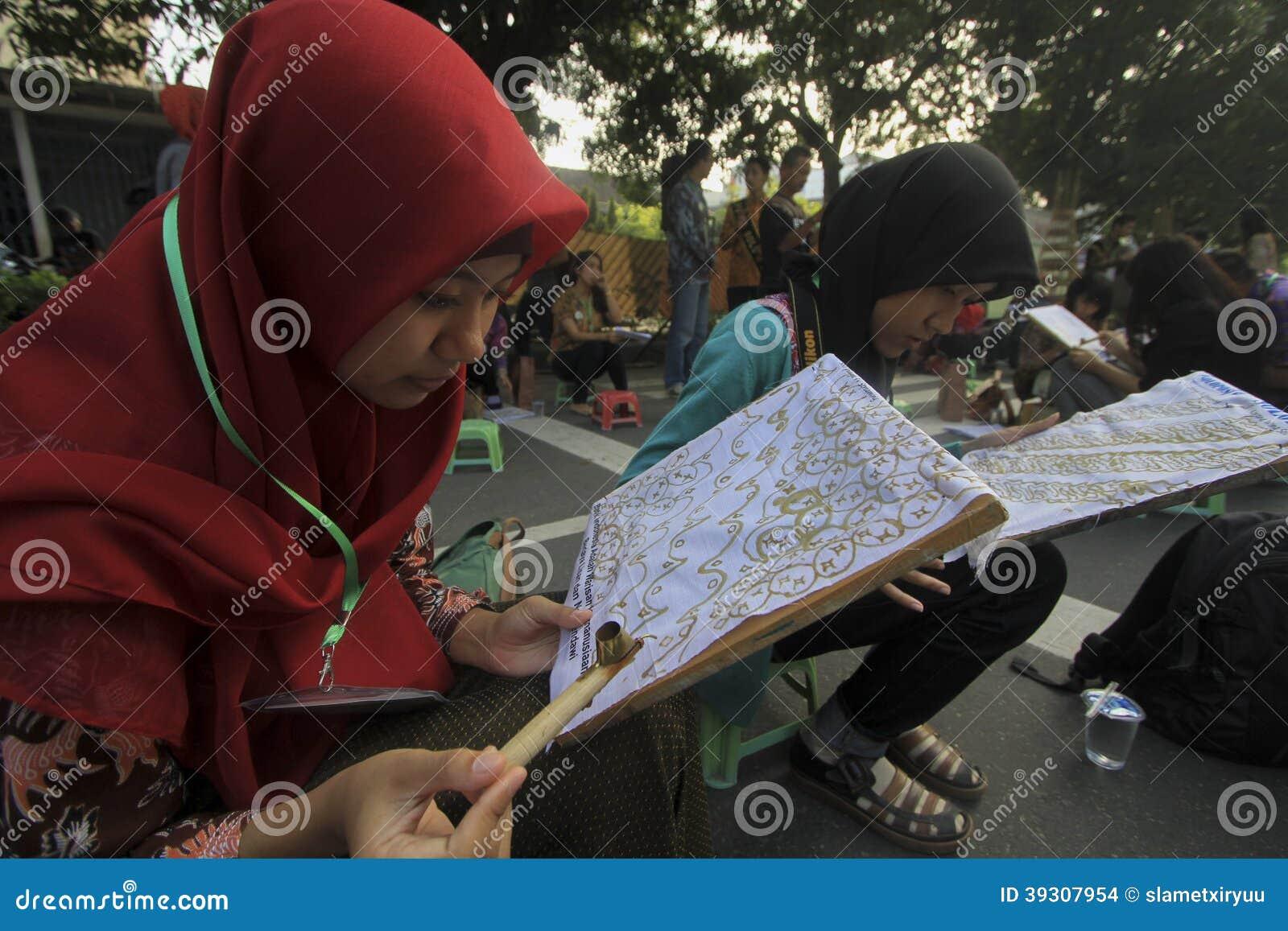 Learning Make Batik Editorial Stock Image  Image: 39307954