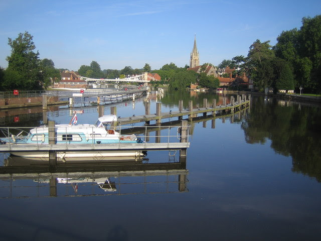 File:River Thames at Marlow - geograph.org.uk - 488905.jpg