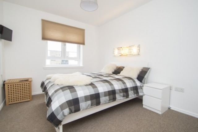 2 bedroom Flat to rent in Arneil Drive Edinburgh EH5