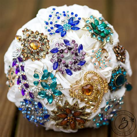 Brooch bouquet boho themed simple and colorful ? The
