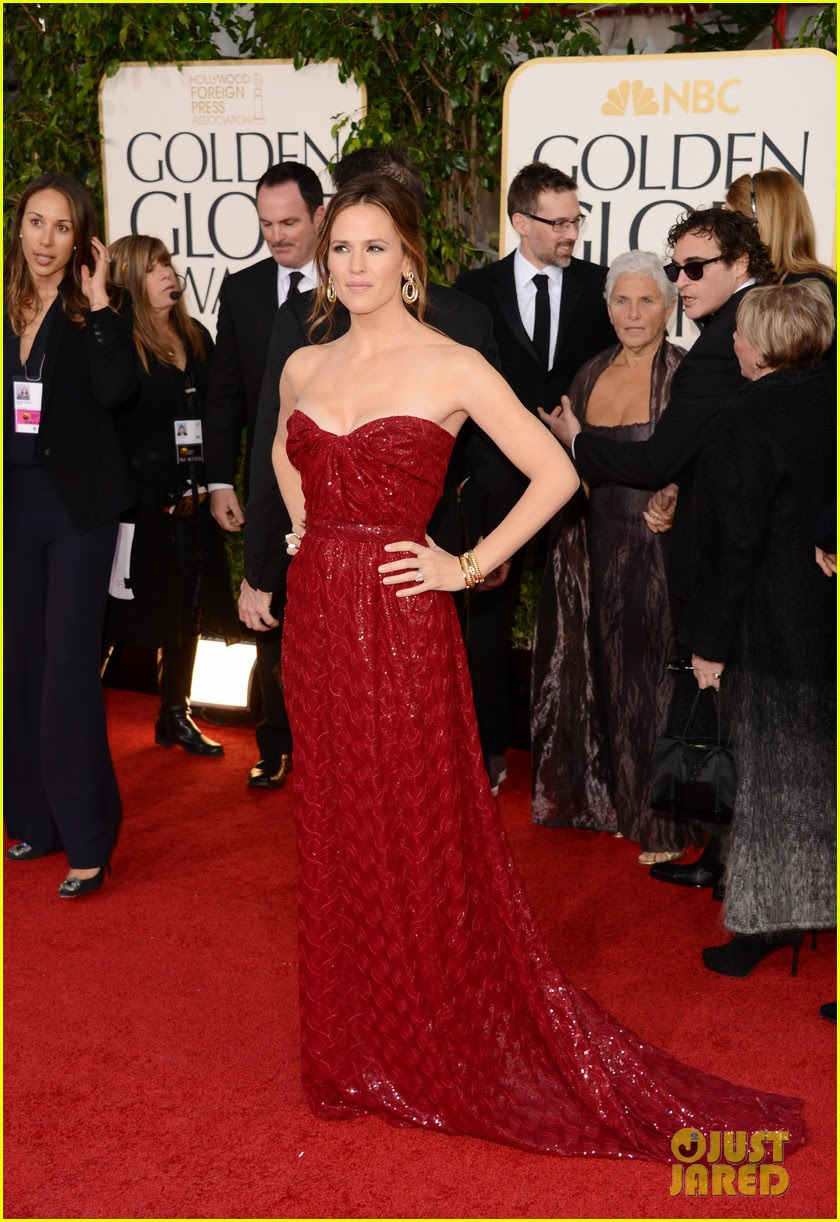 jennifer garner golden globes 2013 red carpet 17