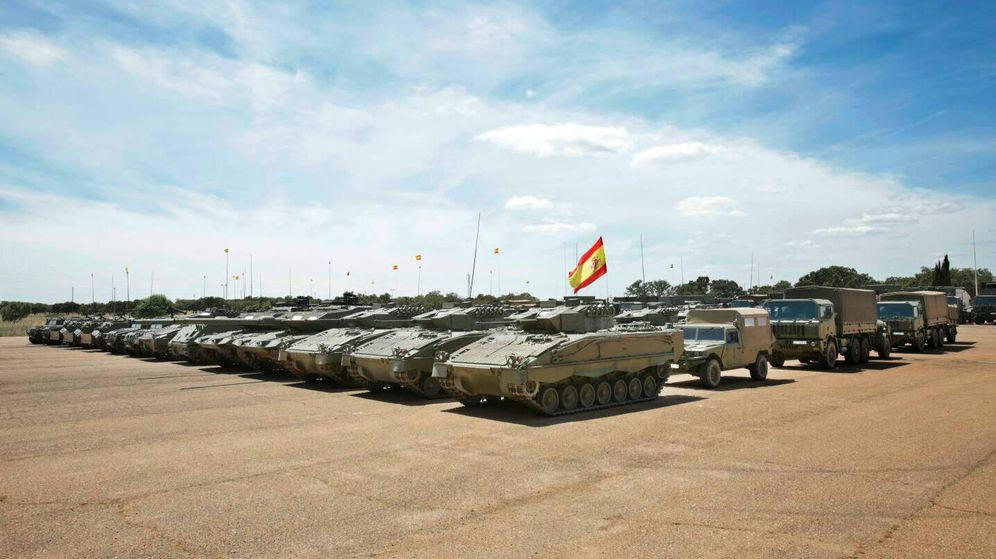 Foto: Vehículos del contingente español destinado a Letonia. (Iván Rodríguez - Ejército)