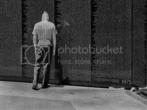 photo Vietnam-memorial-soldier.jpg