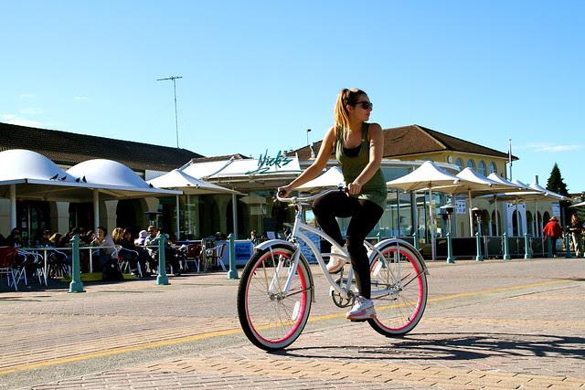 bondi girls on bikes 6644