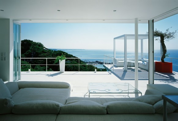 Home-With-Beach-Backgraund5