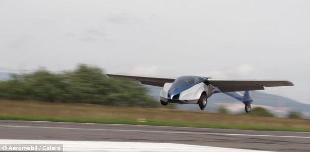 Το αυτοκίνητο διαθέτει ένα take-off ταχύτητα των 90 μίλι/ώρα
