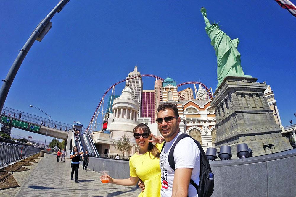 A réplica da Estátua da Liberdade do hotel New York New York, em Las Vegas, Nevada