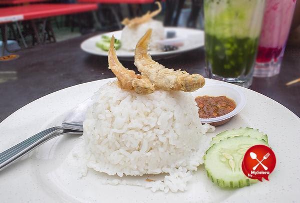 Nasi putih asam pedas mak kiah di Restoran Bisik-bisik