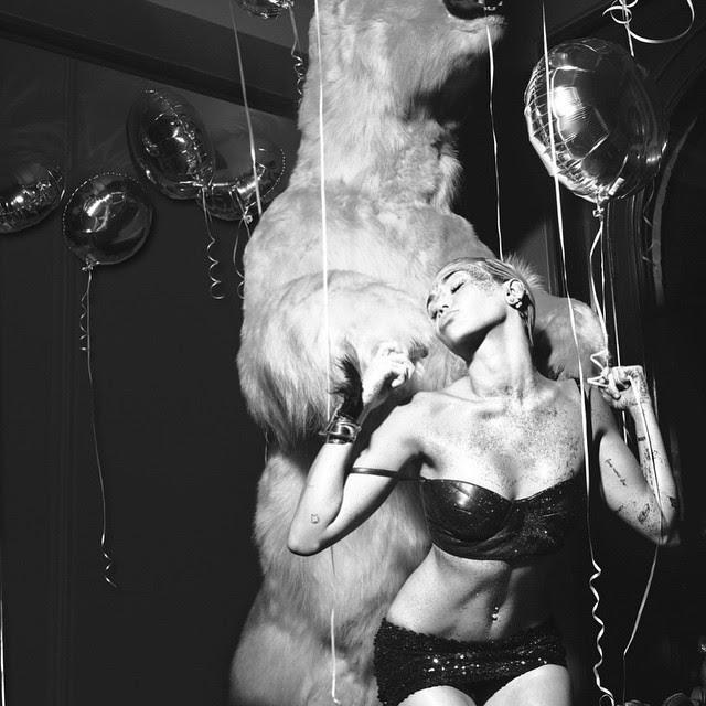 """MIley Cyrus na """"festa secreta"""" (Foto: Reprodução/Instagram)"""