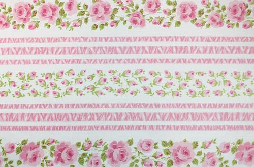 trellis roses in pink
