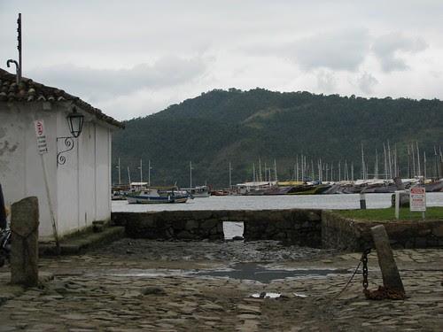 sea wall Parati