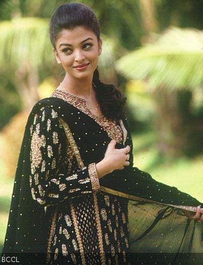 Bollywood Actresses in Ritu Kumar Outfits