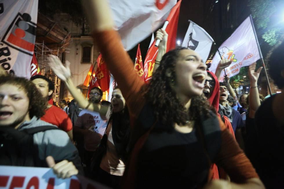 Manifestación en Río de Janeiro contra el presidente de Brasil.