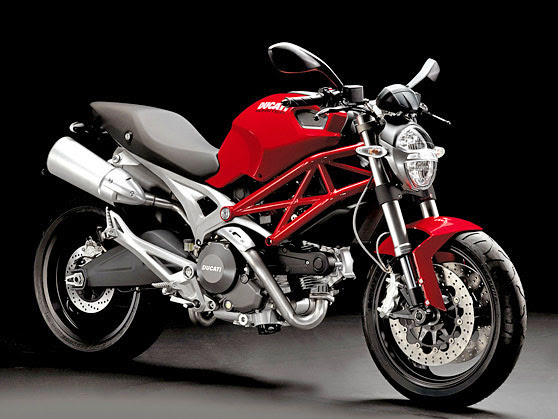Gabby Automotive: Ducati Monster 696