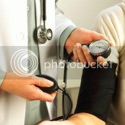 periksa tekanan darah anda