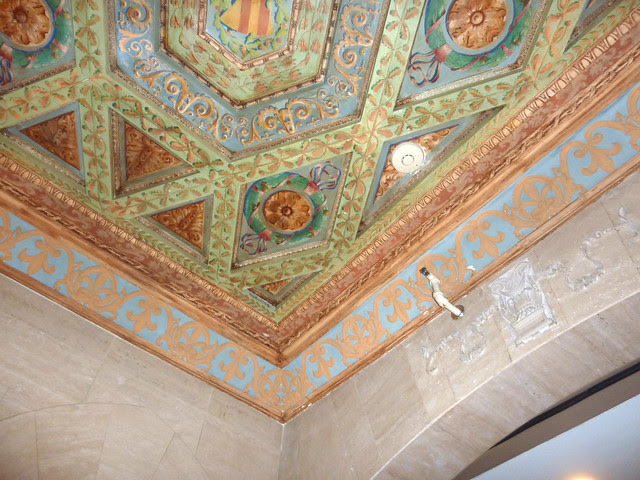 P1130359-2012-10-31-Rhodes-Haverty-lobby-Ceiling-by-Athos-Menaboni