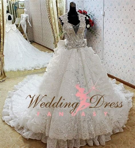 Best 25  Gypsy wedding dresses ideas on Pinterest   Fairy