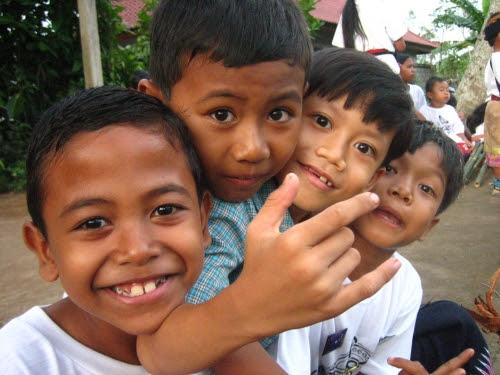 http://lakso.files.wordpress.com/2008/07/anak-indonesia.jpeg