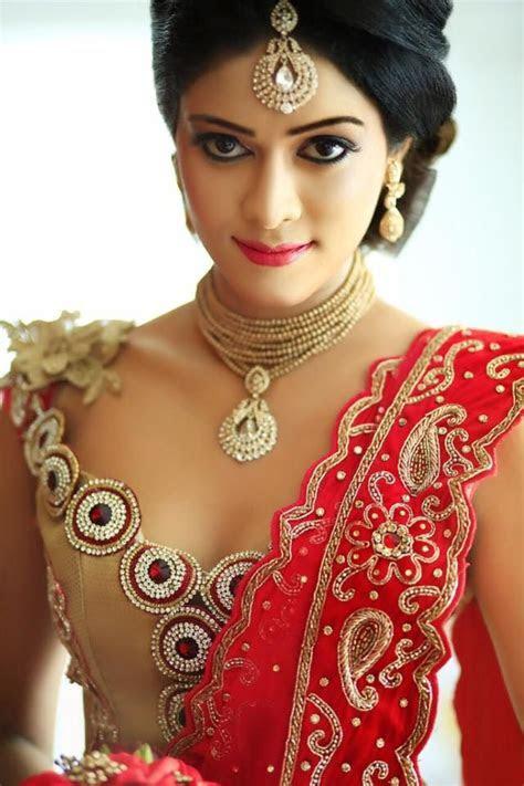 Dressed & Dress Disign by   Champi Siriwardana   Sri Lanka