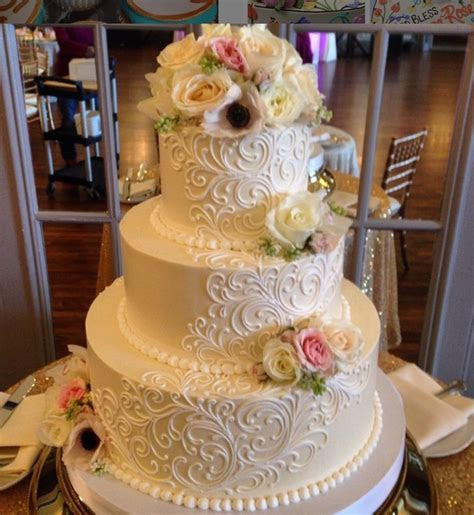 Buttercream wedding cake!   cakes   Pinterest
