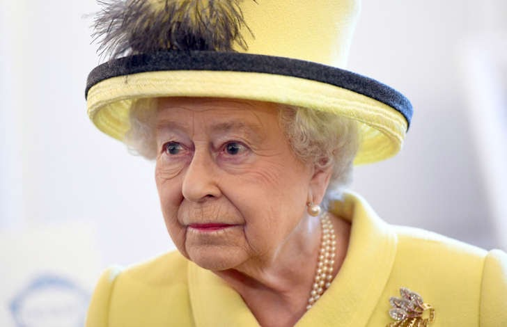 Concerns for Queen's health after she delays annual break