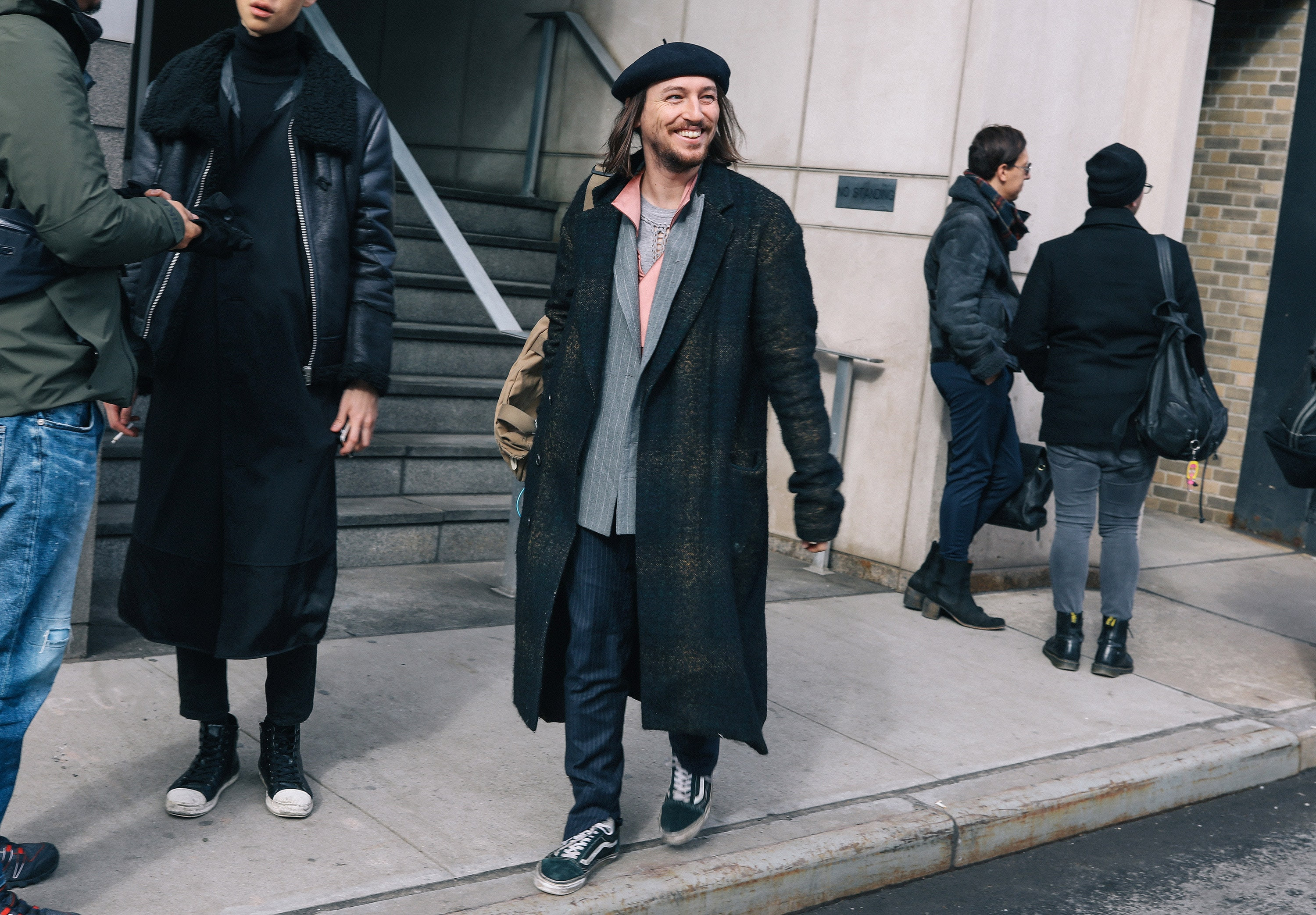http://assets.vogue.com/photos/589364fe12a7b1df212ca3f2/master/pass/15-phil-oh-mens-nyfw-day-2-2017.jpg