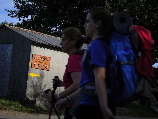 Cada vez mais mulheres percorrem o Caminho (Foto: Miguel Riopa/AFP)