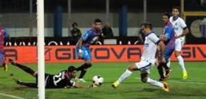 Lo 0-1 realizzato da Palacio. Ansa