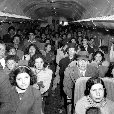 120,000 Iraqi Jews abandoned their homes to fly to Israel