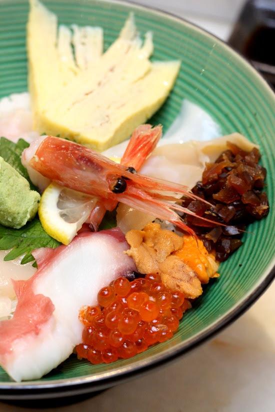 kaisenchirashi sushi