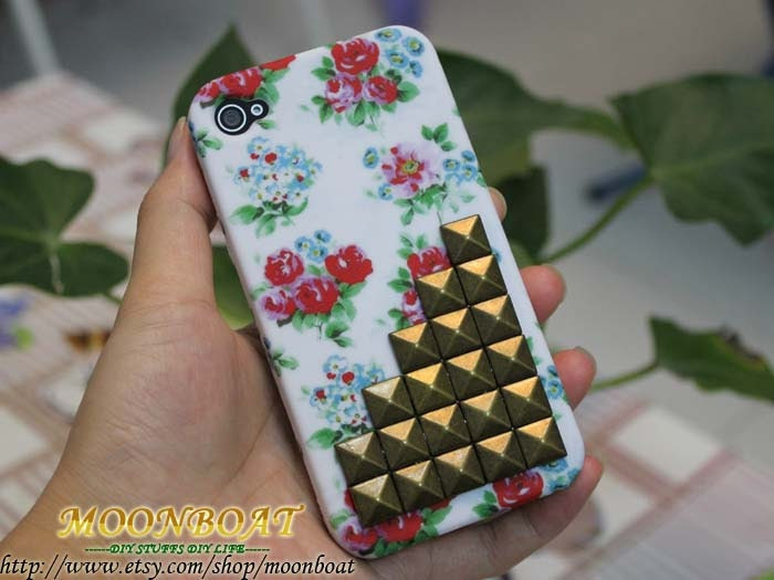 Antique Brass Pyramid Stud And Back Front Beautiful Flower Hard Case For Apple iPhone 4 ,iPhone 4s,iPhone 4 Hard Case,iPhone Case MB509