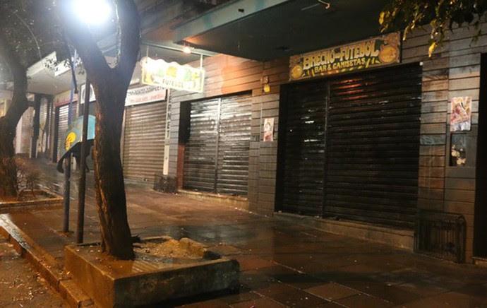 argentino baleado em bar porto alegre argentina (Foto: Leo Urnauer/G1)