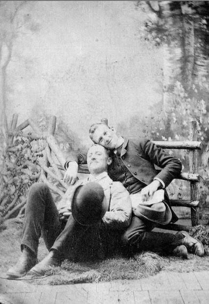 1880-Male_Couple