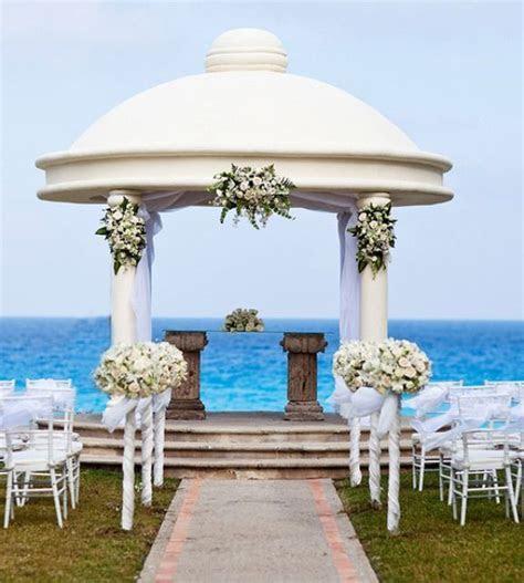 LUXURIOUS WEDDING CEREMONIES   Cancun Luxury Beach Wedding