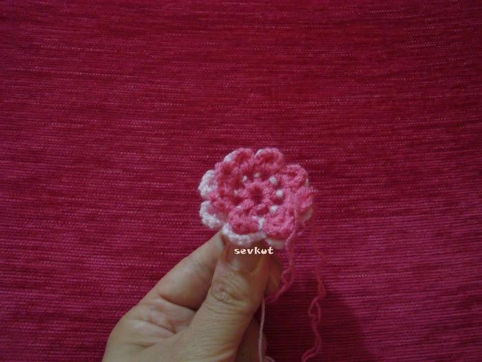 tie crochet flowers (700x525, 286Kb)