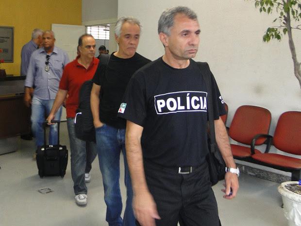 Marcos Valério sai da delegacia para ir ao Aeroporto da Pampulha (Foto: Carolina Farah / G1)