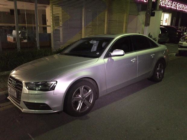 Veículo de suspeito foi encontrado pela polícia em Guararema, região metropolitana de São Paulo (Foto: TV Diário)