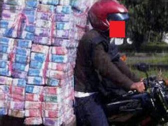 meme lucu gambar uang  banget uang indonesia