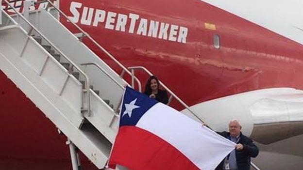 Ana Lucy Avilés abordando el SuperTanker
