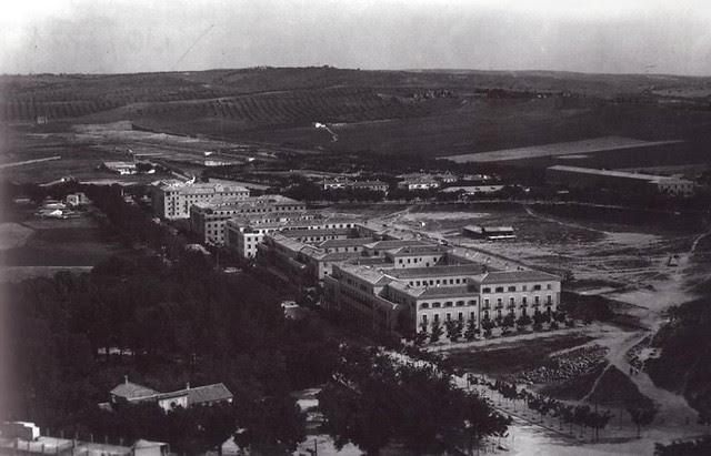 Avenida de la Reconquista hacia 1955