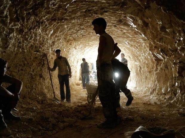 Resultado de imagem para túnel síria