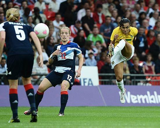Marta em ação pela seleção brasileira durante os Jogos Olímpicos de Londres