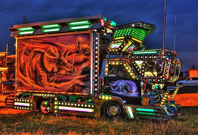 Decotora Japanese art truck --