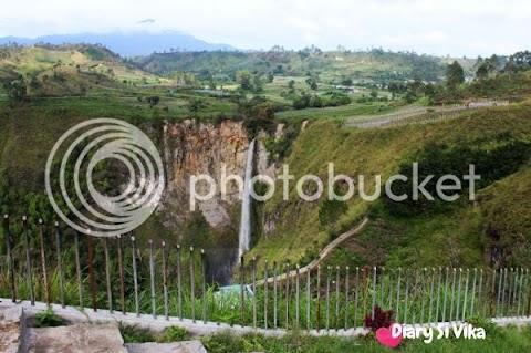 Indahnya Panorama Air Terjun Sipiso-Piso dan Perjalanan Menuju Danau Toba dari Tanah Karo
